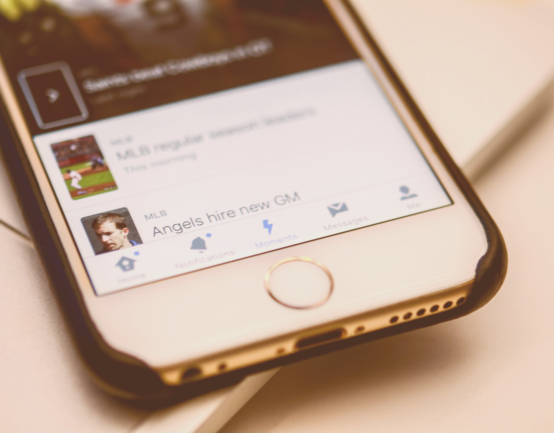 Twitter punta sulle news, ecco i Moments